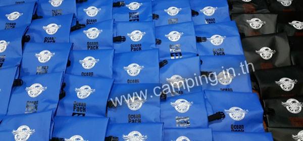 สกรีนโลโก้ กระเป๋ากันน้ำ Ocean Pack 10 ลิตร ของ Teak-Torch